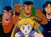 Sailor Moon: Sailor Moon chased by the bad guys